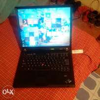 Ibm Thinkpad t60 4gbRam,500gb,dvdr,Windows 10