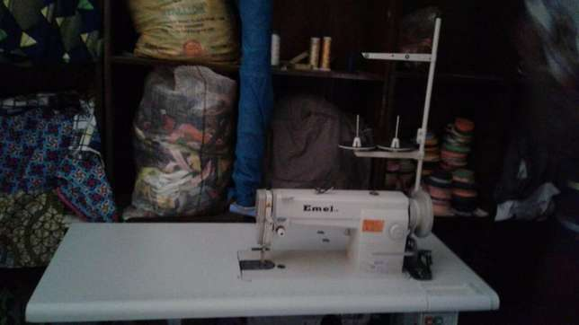 Emel industrial sewing machine 6-9 inter lock Wuse - image 2