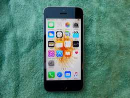 iPhone SE black for R3,300