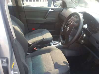 Silver 2009 Volkswagen Polo 1.6 Comfortline Automatic For Sale Johannesburg - image 6