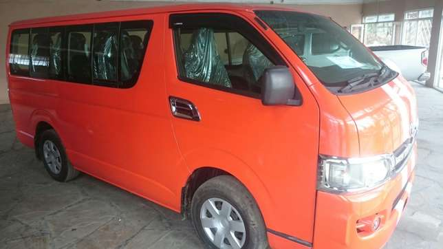 Hiace Diesel manual with seats Mombasa Island - image 4