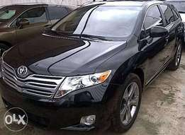 Clean Toyota venza for sale 2010