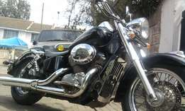 clean honda shadow 750