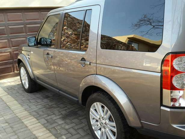 Land Rover Discovery 4 HSE 3.0 SDV6 Krugersdorp - image 5