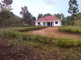 4bedrooms house on sale in kabembe-mukono on 50decimals at 135m