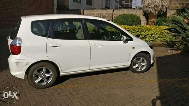 Honda fit used by Indian banker for Sale Westlands - image 3