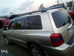 Very clean 1st body,sound,super sharp Reg TOYOTA HIGHLANDER 04model