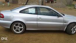 Volvo C70 coupe Sun roof, mag wheel. very good condition. automatic