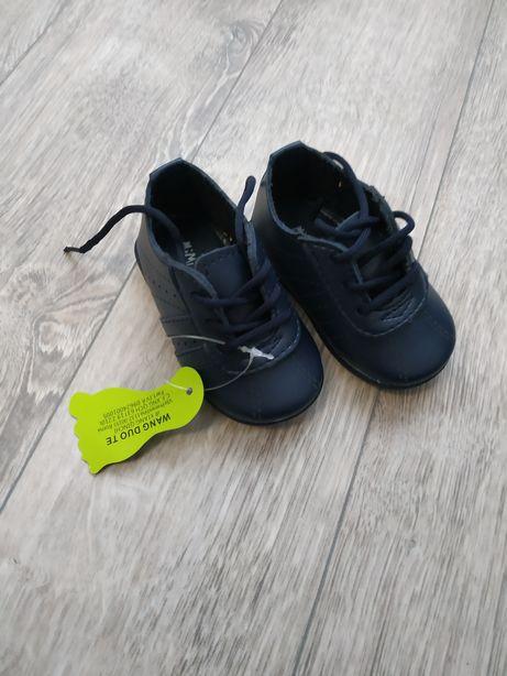 4f08d8b8429c88 Дитяче взуття (шкіряні): 300 грн. - Детская обувь Луцк на Olx