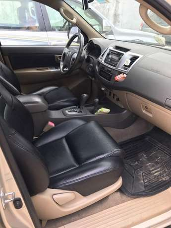 2012 reg fortuner..first body Lagos Mainland - image 5