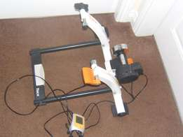 Indoor cycling trainer - Tacx Flow