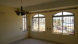 TO LET - 3 bedroom PENTHOUSE with all MASTER En suites