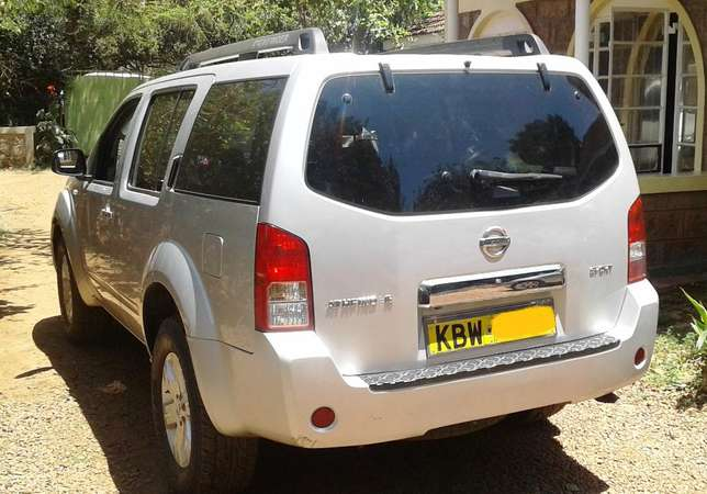 2006 Nissan Pathfinder Sport, manual 2.5L turbo diesel dCI engine, goo Karen - image 2