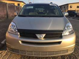 For sale Toyota seinna 2004 Model