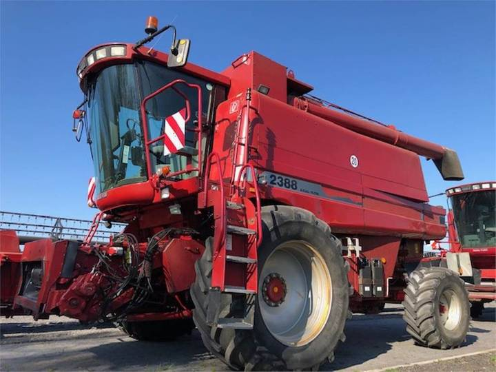 Case IH 2388 Axial Flow - 2003