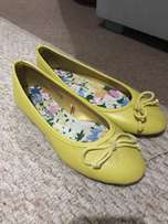 Yellow pumps brand new