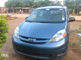 Toyota sienna 06 for sale