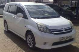 Toyota Isis Platana 2009 Pearl Very Clean with Alloys & Fog Lights