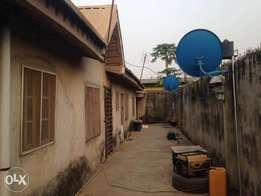 Bongalow of 3bedrm,2rmself and 2miniflat for sale Fagba N20mill asking