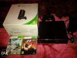 xbox 360 wid box and extras