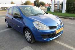 2007 Renault Clio Iii 1.6 Expression 5dr 89000kilo FOr R55,000