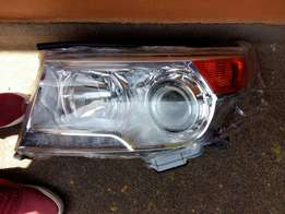 Front headlights for toyota landcruiser vx200 series