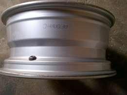 Hyundai Mags 16 inch almost new