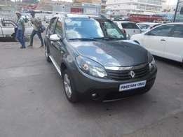 2013 Renault Sandero 1.6 Grey in color 48000 KM