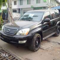 An ultra clean toks 2005 lexus GX470 for sale