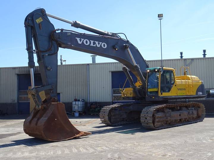 Volvo EC700 BLC Track Excavator 70T. Hammer Lines Good Condition - 2007