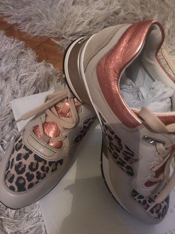 Sneakersy Geox oryginalne D shahira skórzane nowe oryginał