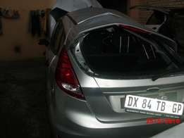 2015 ford fiesta breaking for spares