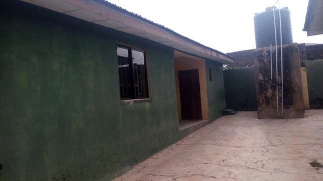 Twin flat (3 Bedroom flat each) with 2 Room and parlor self con Ilorin West - image 3