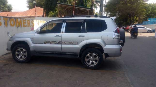 Toyota Prado landcruiser for sale Ganjoni - image 3