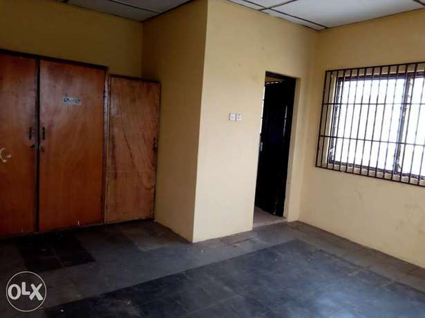 2 bedroom flat at Aare avenue Oluyole Estate Ibadan South West - image 3