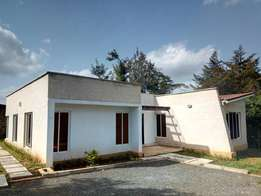 Modern Contemporary 4 Bedroom House on 1/8 acre plot