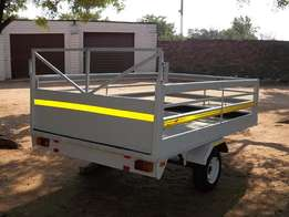 MULTIPURPOSE TRAILER 2.4 x 1,56M in very good condition, lockable towb