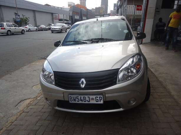 2012 Renault Sandero 1.4 Available for Sale Johannesburg - image 1