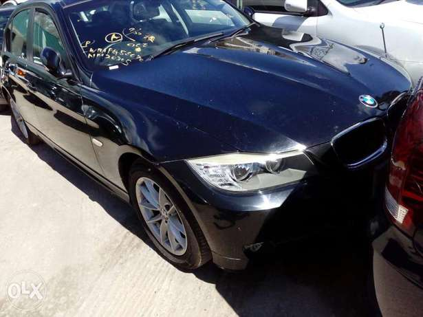 Bmw 320I fresh import new plate number fully loaded with alloy wheels Mombasa Island - image 1