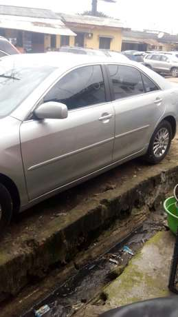 Tokunbo toyota camry silver Surulere - image 5