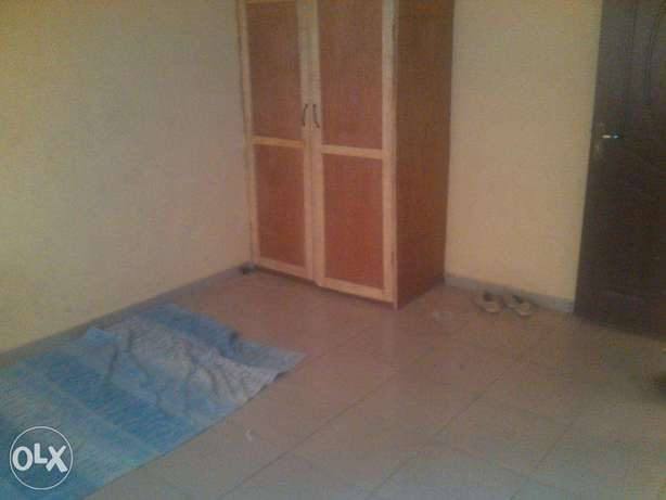 2 bedroom flat for rent at opic going for 400k,all room are en suit.ve Ojodu - image 3