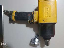 Atlas copco professional impact wrench