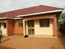 New two bed room contained house at 500000 in Kito - Bweyogererere