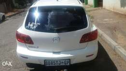 2006 white Mazda 3 Dynamic 1.6 Sport For Sale.
