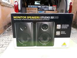 CHRISTMAS SALES! Behringer Studio 50 monitor speakers