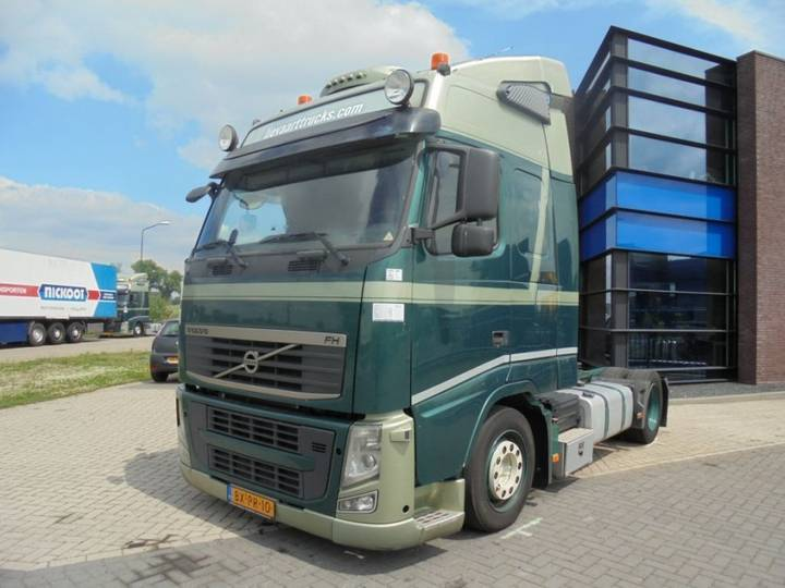 Volvo FH 13.460 Lowdeck / Euro 5 / NL Truck / 2 Tanks - 2010