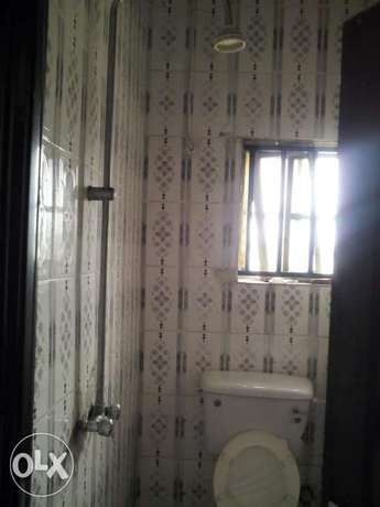 Standard 1 Bedroom Flat To Let At Rumuodara Portharcourt. Port-Harcourt - image 5