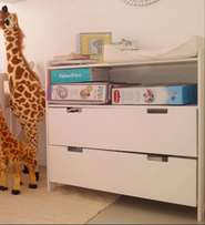 White 7months old compactum
