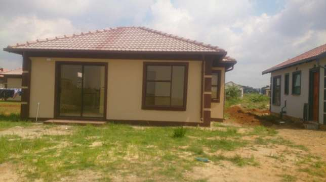 New Houses for sale in East of Johannesburg Benoni - image 3