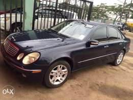 Super clean tokunbo Mercedes Benz E320. 2005 model in good condition